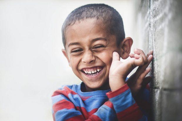 nino de africa en que puedo hacer para poder contrarrestar el estres en mi vida de manera facil ¿qué puedo hacer para poder contrarrestar el estrés en mi vida, de  ID172112 - hermandadblanca.org