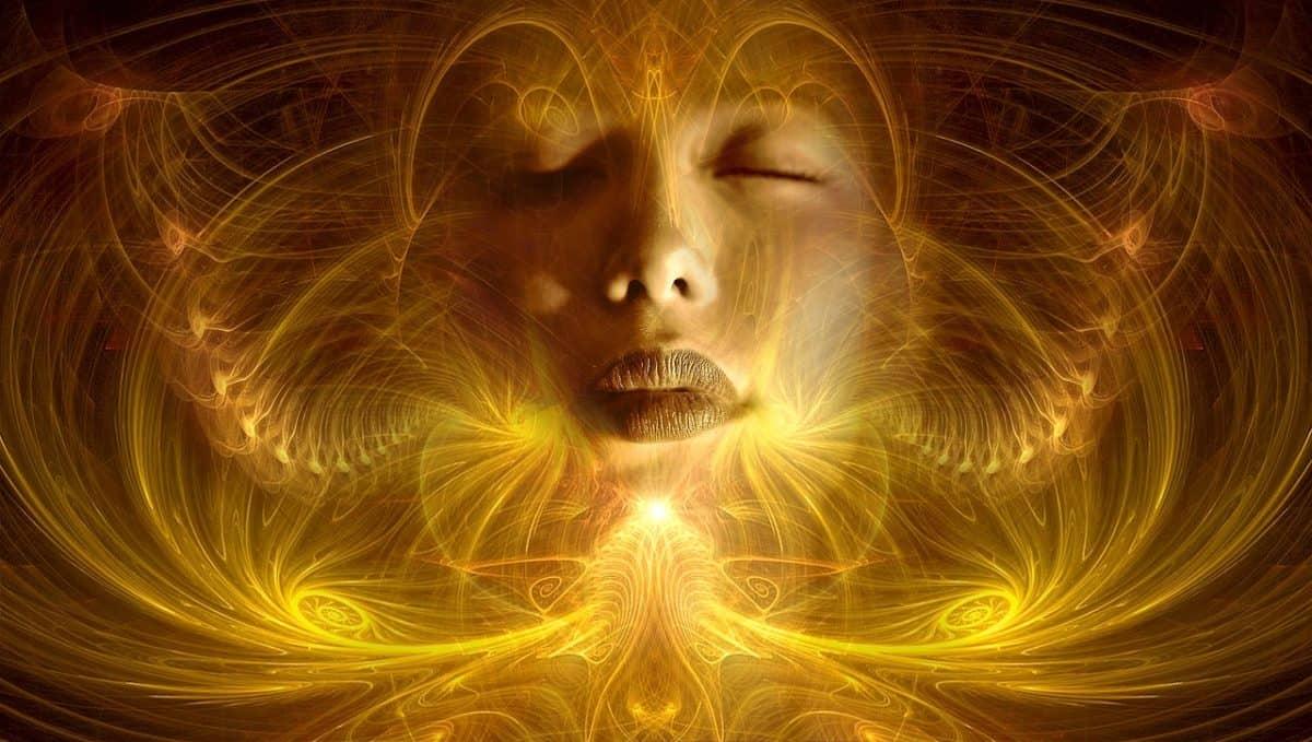 seres espirituales viviendo una experiencia humana
