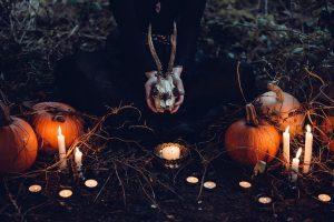 Brujerías y Maleficios: Descubre su dinámica y la Meditación para acabarlas