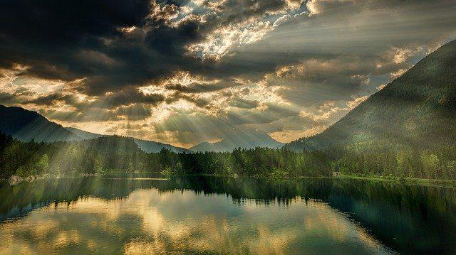 de la madre tierra por los espiritus del agua ascenso de la madre tierra por los espíritus del agua ID207671 - hermandadblanca.org