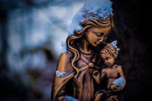 Estoy Despierto, por la Madre María