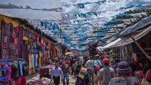 mercado chichicastenango1 885×500 caminando entre santos, la historia de un buscador ID210322 - hermandadblanca.org