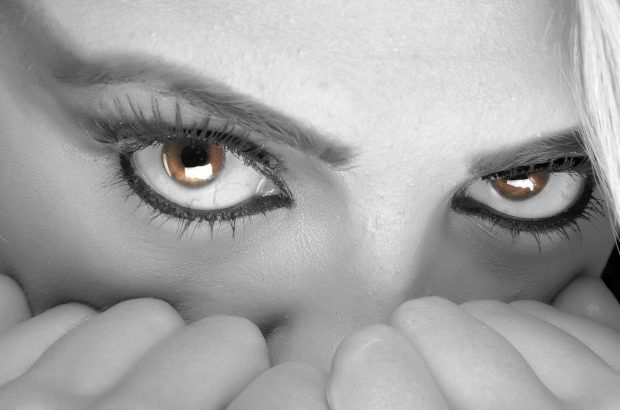 eyes 394175 1280 autoestima como podemos amar a otros sin amarnos a nosotros mismos i214035