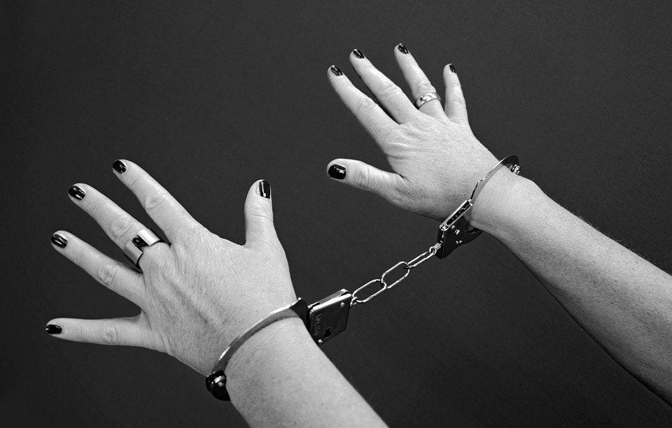 handcuffs 964522 960 720 filosofia de la libertad rudolf steiner 6 la imaginacion moral i213910