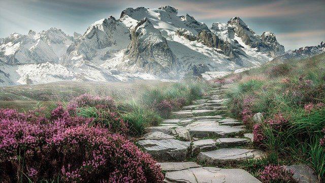 mountain landscape 2031539 640 haciendo realidad tus sueos mensaje de los angeles via ann alber i214321
