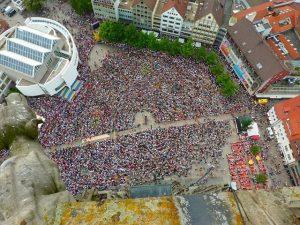 crowd 51199 640 activista greta thunberg 5 cosas interesantes que no sabias de ella i217037