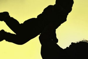 Crea un vínculo mágico con tu bebé a través de la música.