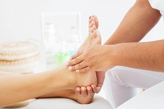 circulos superiores y laterales como masajear los pies 12 tecnicas de relajacion y alivio del dolo i221555