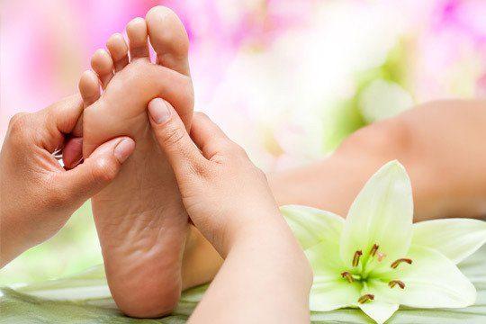como masajear los pies entu casa como masajear los pies 12 tecnicas de relajacion y alivio del dolo i221555