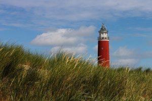 lighthouse 4349271 640 ante los desafios no estas solo un mensaje de los angeles via ann i219475