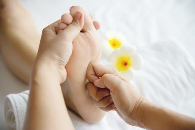 puntos de presion como masajear los pies 12 tecnicas de relajacion y alivio del dolo i221555