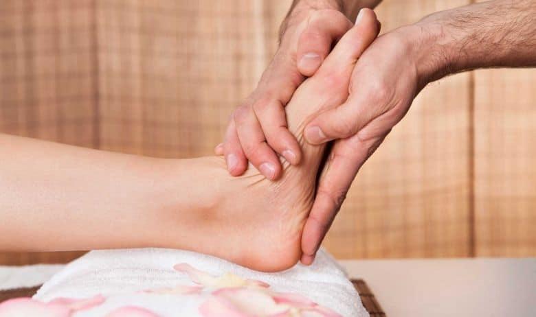 reflexiones de los dedos del pie como masajear los pies 12 tecnicas de relajacion y alivio del dolo i221555