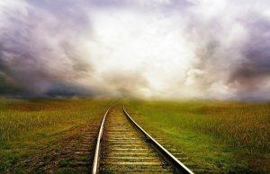 railroad tracks 163518 640 soledad una parte necesaria del sendero un mensaje de jeshua i224561