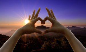 love sign 950912 640 las energias se acumulan mensaje de judas iscariote a traves de ann i228161