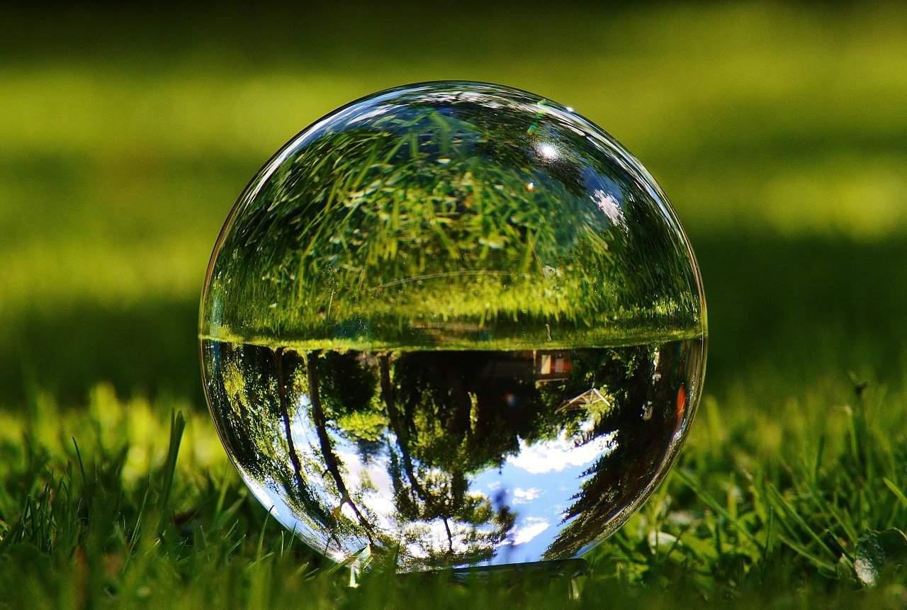 glass ball 1480305 1280 1 229595 2 i229595