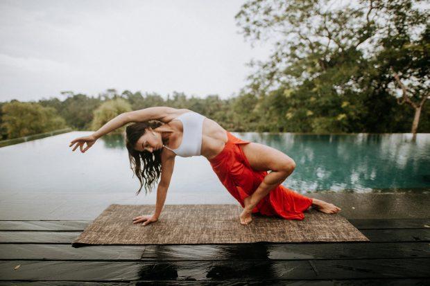 Hatha Yoga como integración del cuerpo, la mente y el espíritu. Yoga como conexión con nuestro Ser. 1