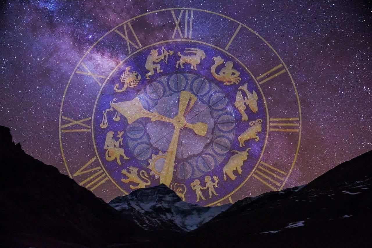 starry sky 2533009 1280 1 en febrero nuevas energias llegan con mercurio en acuario i233828