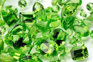 """""""Olivino"""" El Mineral que más se encuentra en la corteza terrestre y sus Múltiples Usos"""