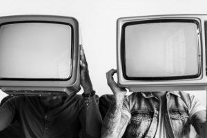 De la televisión a los televivientes.