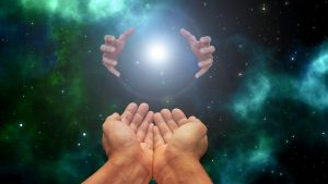 hands 5725562 640 aprende a crear la conexion del alma por owen waters i237501