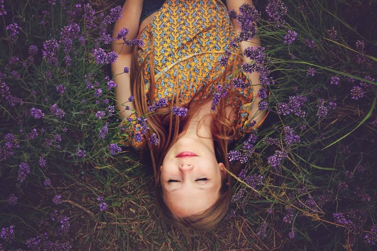 girl 1208307 1280 libera el miedo y alcanza la felicidad un mensaje del grupo arcturiano i239556