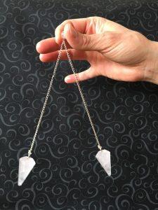 pendulum 1533106 640 el pendulo equilibrio para tus chakras i329346
