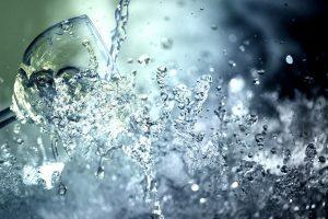 Agua energizada con cristales: conoce sus beneficios
